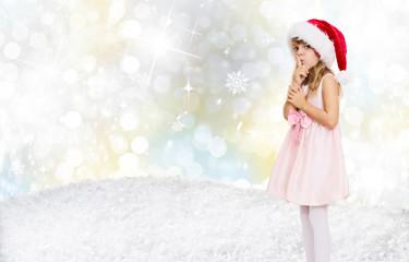 mädchen in weihnachtslandschaft pscht wünsche