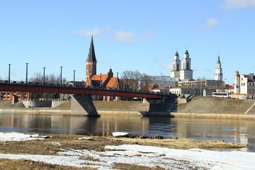 bridge to the old town