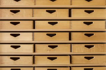 Schubladen aus Holz