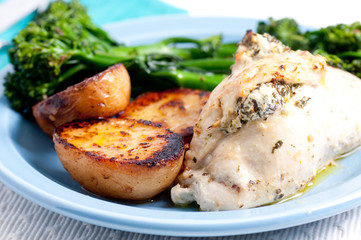 stuffed chicken breast with cheese and spinach