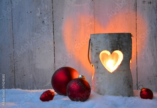weihnachtskarte windlicht mit weihnachtskugeln. Black Bedroom Furniture Sets. Home Design Ideas
