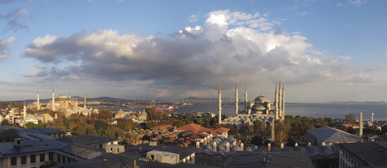 From hagia sophia mosque to blue mosque , Panorama.