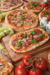 Italian pizza table