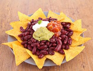 nachos with bean
