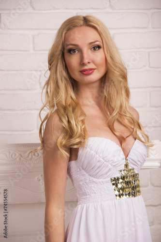 esteticheski-krasivie-blondinki-foto