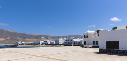 Fischerdorf mit  weissen Häuser, Caleta,  Lanzarote
