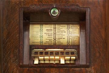 britisches Röhrenradio von 1936