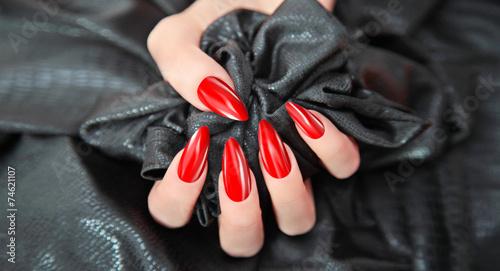 wundersch ne rote fingern gel stockfotos und lizenzfreie bilder auf bild 74621107. Black Bedroom Furniture Sets. Home Design Ideas