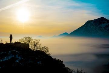 zirvede güneşin doğuşunu izlemek