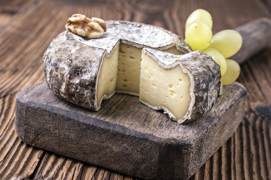 French Tomme Cheese