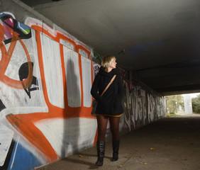 ängstliche junge Frau, Berlin, Deutschland