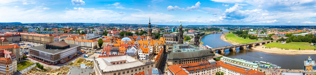 Wall Mural - Panoramic view of Dresden