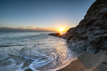 Photo sur Toile Canyon Sunset on a Cornish Beach