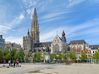 Poster de jardin Antwerp Cathedral and statue of Peter Paul Rubens in Antwerp