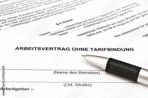 Arbeitsvertrag Ohne Tarifbindung Stockfotos Und Lizenzfreie Bilder
