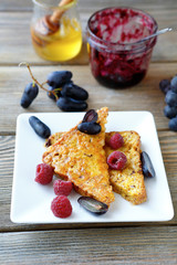 toast with raspberry and honey
