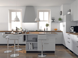 Helle Küche mit Thekenblock