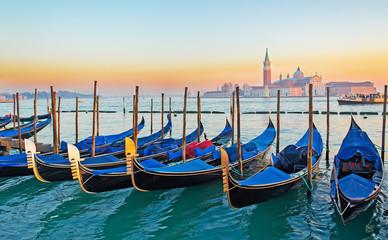 Fotobehang Bestsellers gondolas in Venice