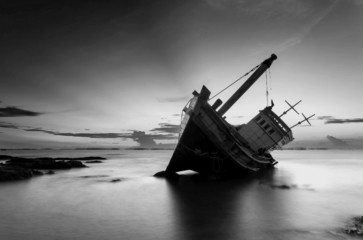 Garden Poster Shipwreck The wrecked ship in black and white