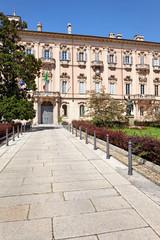 Palazzo Mezzabarba, Piazza del Municipio, Pavia