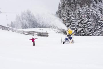 künstliche schnee, schneepiste, ski fahren,winter