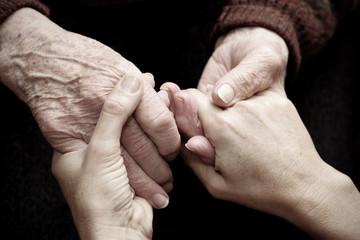 Dare amore e calore a persone anziane