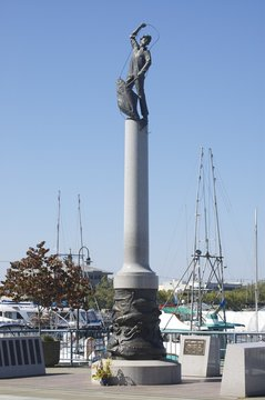 Fisherman's Terminal Monument