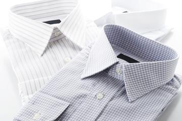 畳んだワイシャツのクローズアップ