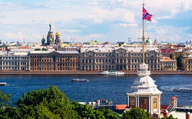 Fototapete - View of the St. Petersburg