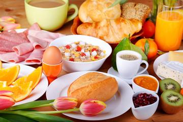 Bilder und videos suchen repr sentative kategorie essen for Table 52 brunch menu