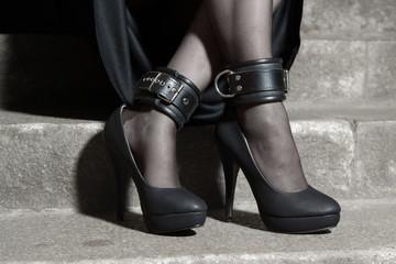 Füße auf Treppe