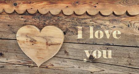 I love you et cœur sur bois
