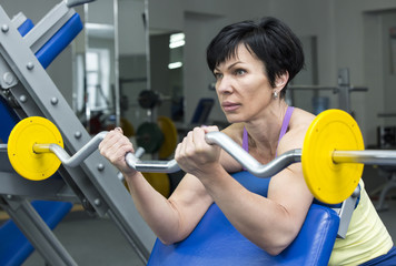 adult female bodybuilding competitions in the gym
