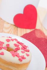 Süße Krapfen als Valentinsgeschenk