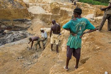 Diamanten schürfen in Sierra Leone