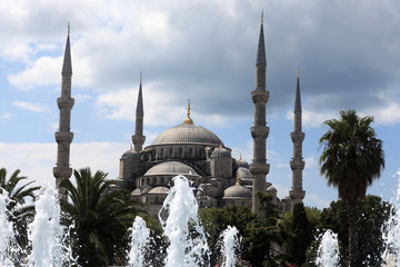 Blue Mosque behind the fountain