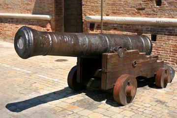 antico cannone