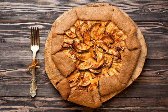 Galette with apples. Apple pie.
