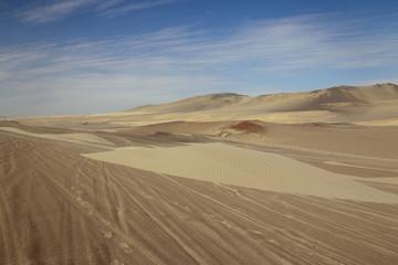 Perù: Riserva di Paracas, il deserto. Dune di sabbia.