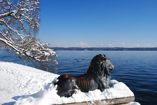 winterlicher Starnberger See  bei Tutzing