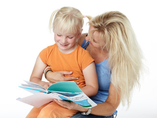 Mother and child read aloud