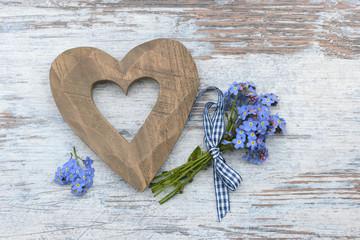 Herz mit Vergissmeinnicht