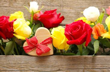 Rosen und ein Herz schenken