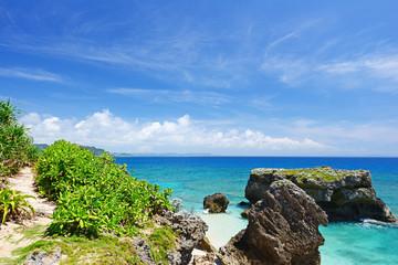 美しい海と爽やかな空