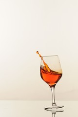 Airborne wineglass-invitation