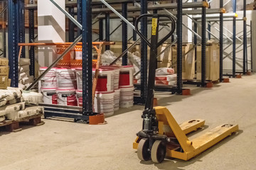 Manual forklift pallet stacker truck equipment