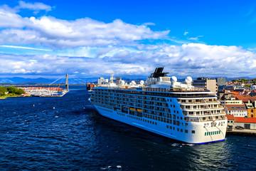 Big cruise ship and bridge, Oslo