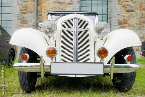 Alter guterhaltener oldtimer aus den 40er jahren front for Mobel aus den 40er jahren