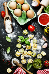 Papiers peints Cuisine Homemade raw Italian tortellini