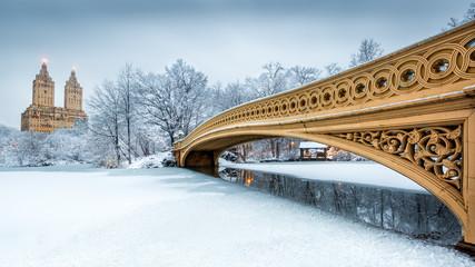 Fototapeta Bow Bridge in Central Park, NYC obraz